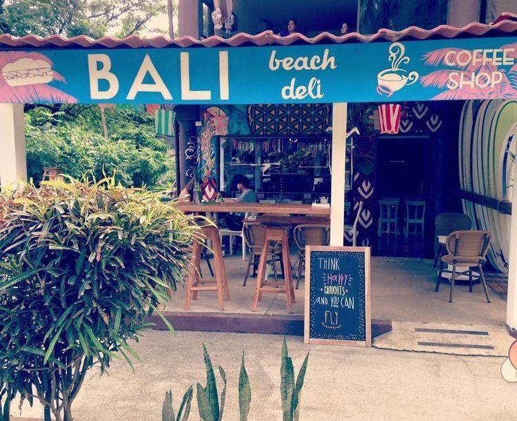 Shops in Plaza Royal - Santa Teresa, Costa Rica